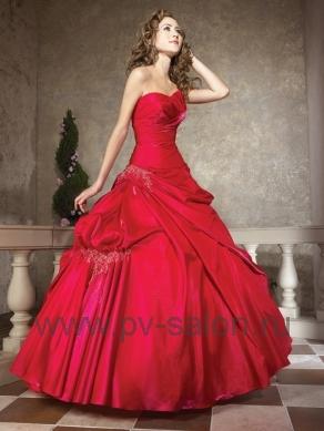 Красное свадебное платье: модные свадебные платья красного цвета